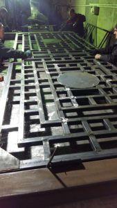 Металлические ворота распашные 1